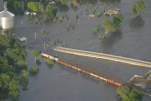 Main Street Bridge in Cedar Falls, Iowa in mid-June 2008. Photo courtesy of Gaylen Isely