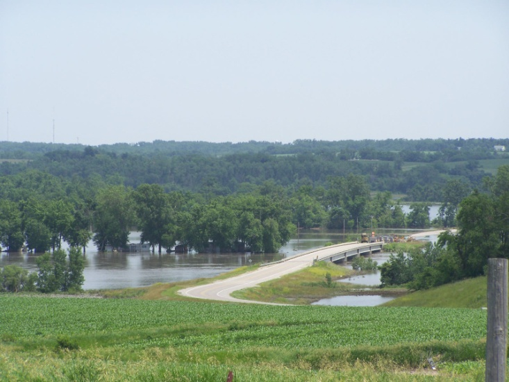 Des Moines River at Highway T17 just south of Pella in Marion County, IA. Photo taken on June 19, 2008 at approximately 1 p.m. CDT